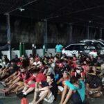 Mais de 60 pessoas são presas em bares durante toque de recolher em Manaus.